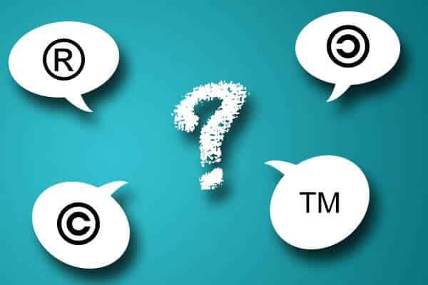 symboles r, c et tm